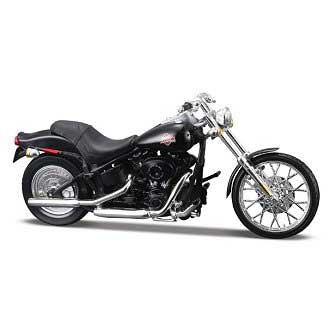 Harley-Davidson FXSTB Night Train (1/18)